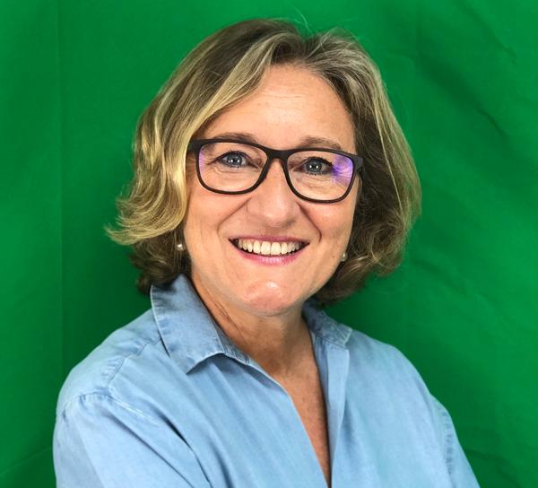 Elena Jurado - A x ciencias
